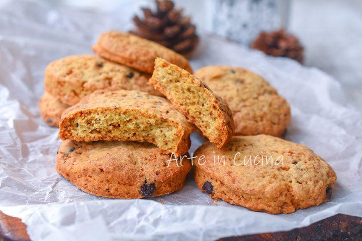 Biscotti speziati con gocce di cioccolato veloci