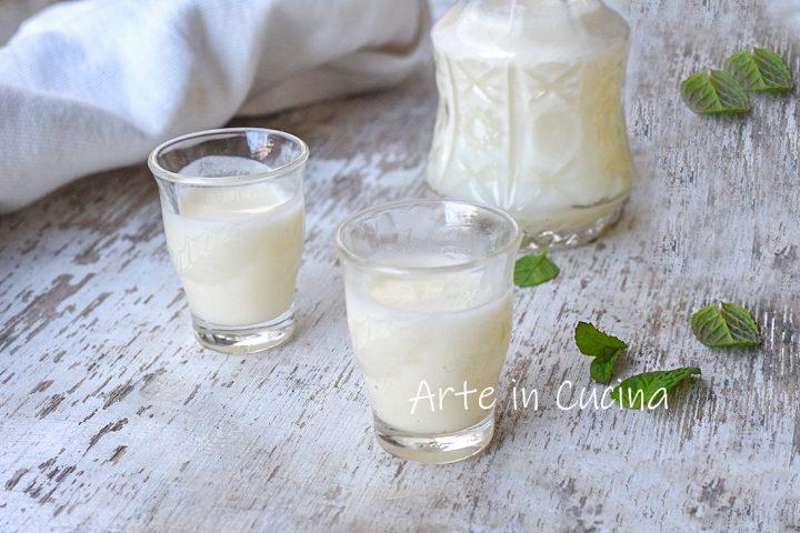 Liquore al latte siciliano cremoso