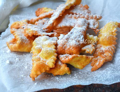 Chiacchiere con patate croccanti e bollose
