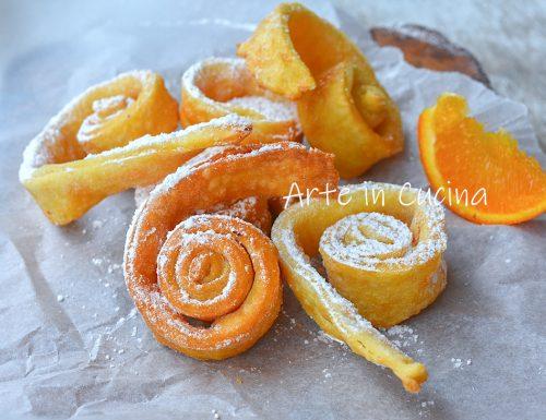 Girelle di Carnevale all'arancia