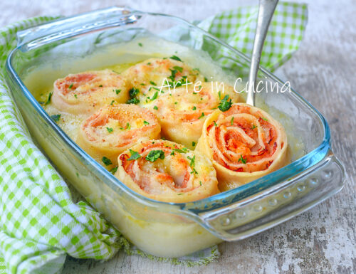 Roselline di lasagna con prosciutto e formaggio
