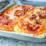 Crostoni di patate alla pizza e zucchine