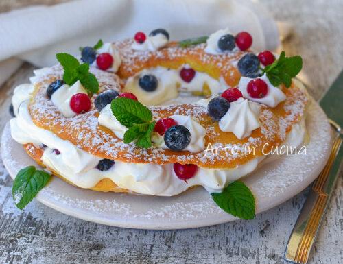 Paris brest con crema pasticcera e panna
