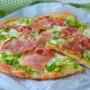 Pizza pane alla ricotta con zucchine in padella