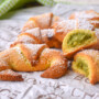 Cornetti di frolla al pistacchio