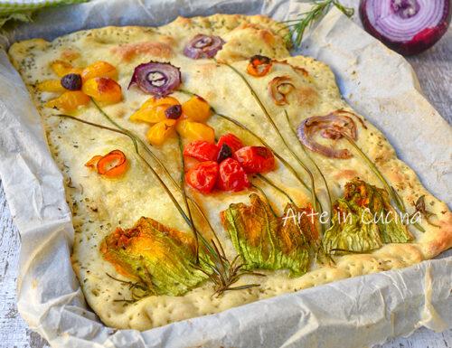 Pizza pane decorata con verdure veloce