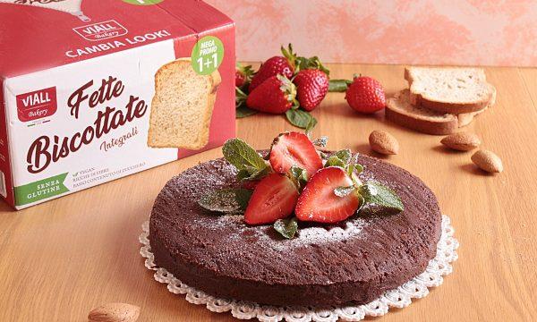 Torta al Cioccolato con Fette Biscottate Integrali di Inglese
