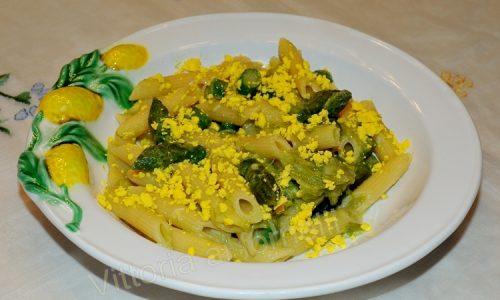Pasta agli asparagi mimosa, ricetta semplice