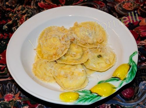 Ravioli taleggio e pere,  golosa ricetta di primo