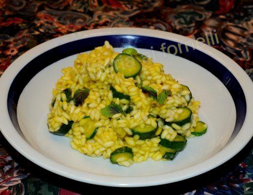 Risotto con zafferano e zucchine, ricetta semplice