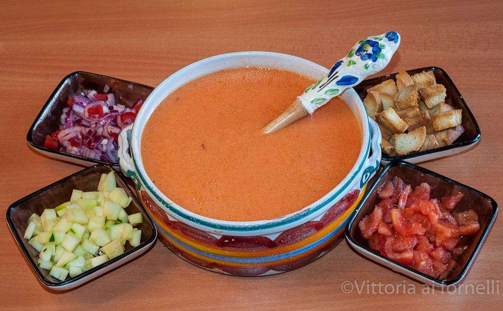 Gazpacho di casa mia ricetta tradizionale spagnola for Ricette spagnole