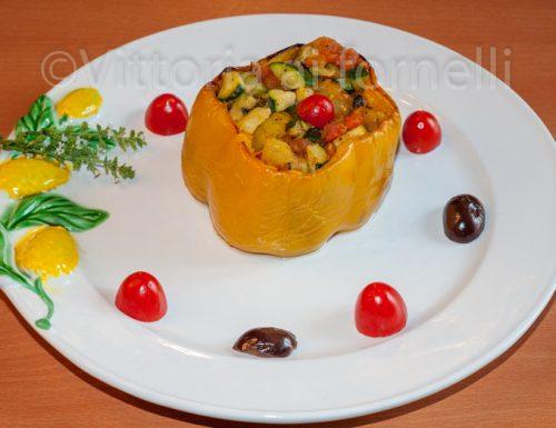 Peperoni al forno ripieni di verdure