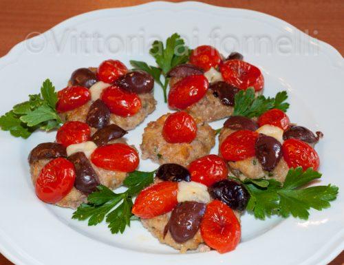 Polpette al forno con pomodorini e olive