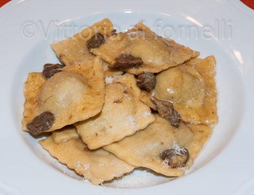 Ravioli ai funghi, pasta fresca ripiena