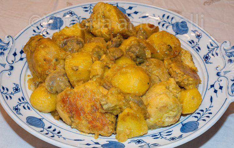 Pollo allo zafferano con patate e funghi