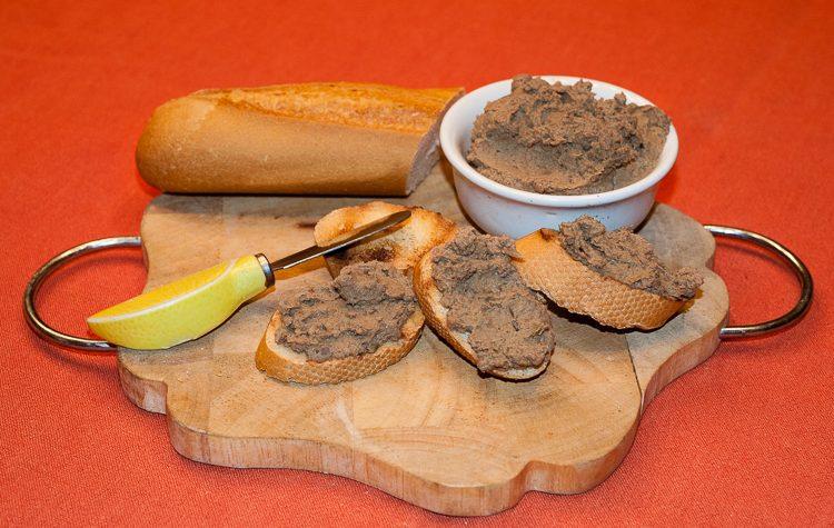 Crostini toscani con fegatini, ricetta di famiglia