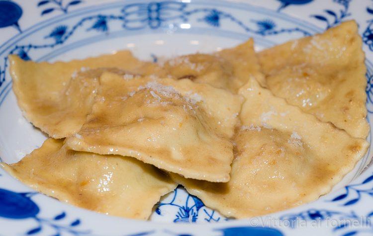 Ravioli di brasato, ricetta tradizionale