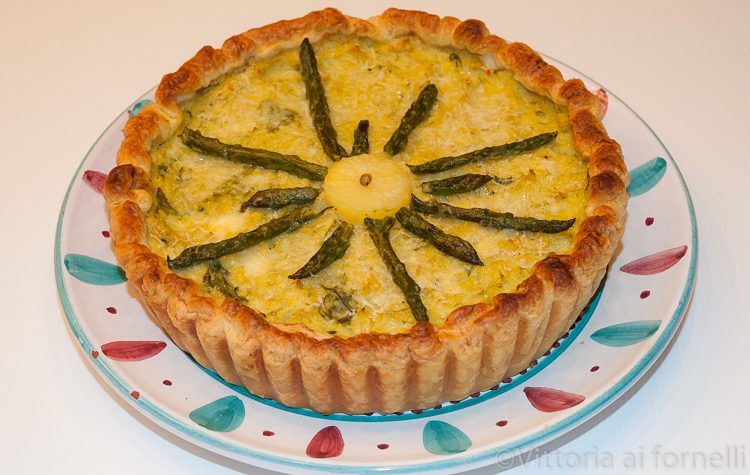 Torta salata asparagi e patate, ricetta primaverile