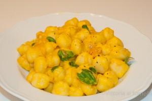 gnocchi di patate con peperoni