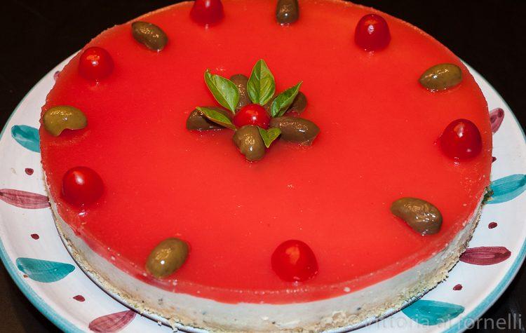 Cheesecake salata con tonno e pomodoro