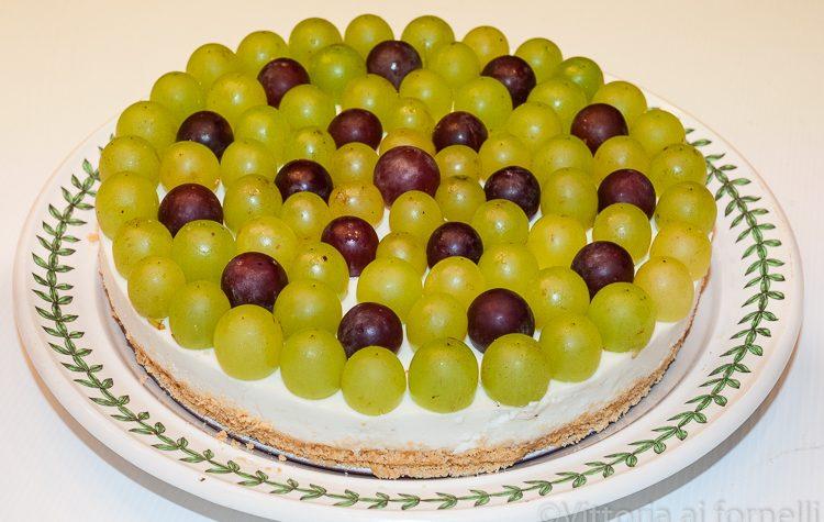 Cheesecake salata con gorgonzola e uva