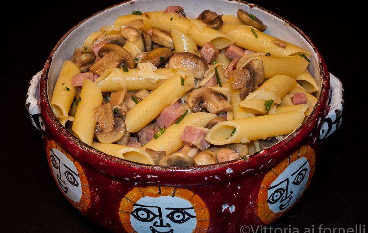 Pasta con champignon e prosciutto