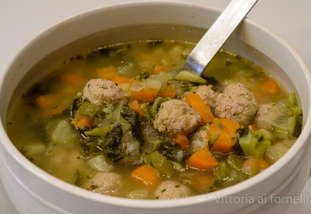 minestra di verdura con polpettine