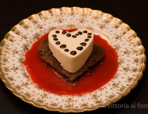 Panna cotta speziata su biscuit al cacao