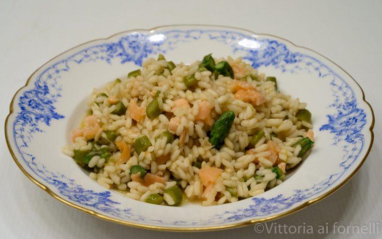 Risotto asparagi e salmone,  semplice e leggero