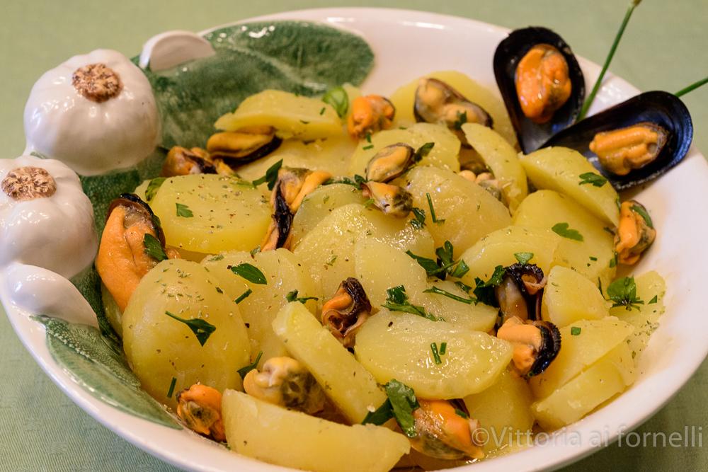 Insalata di cozze e patate, ricetta facile