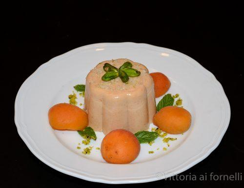 Bavarese di albicocche, ricetta facile