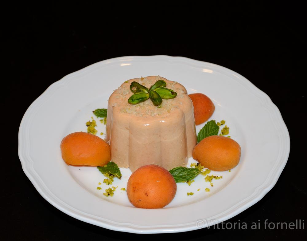 Bavarese di albicocche, ricetta estiva