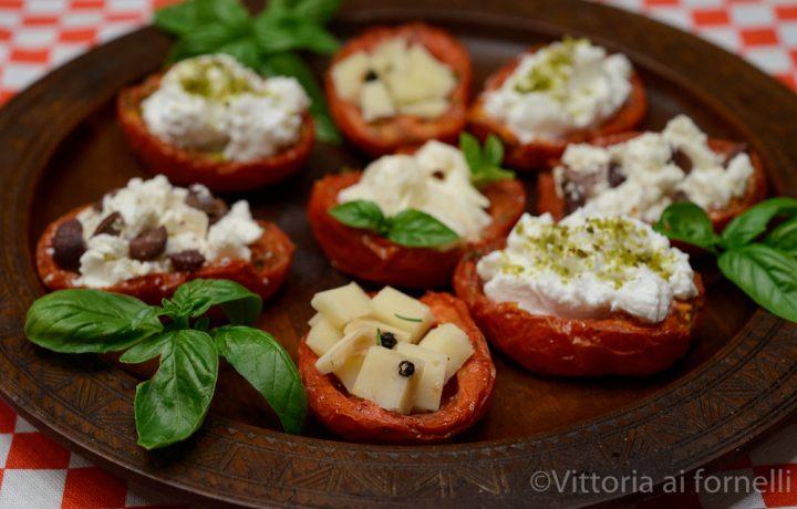 Pomodori arrostiti farciti con formaggi freschi