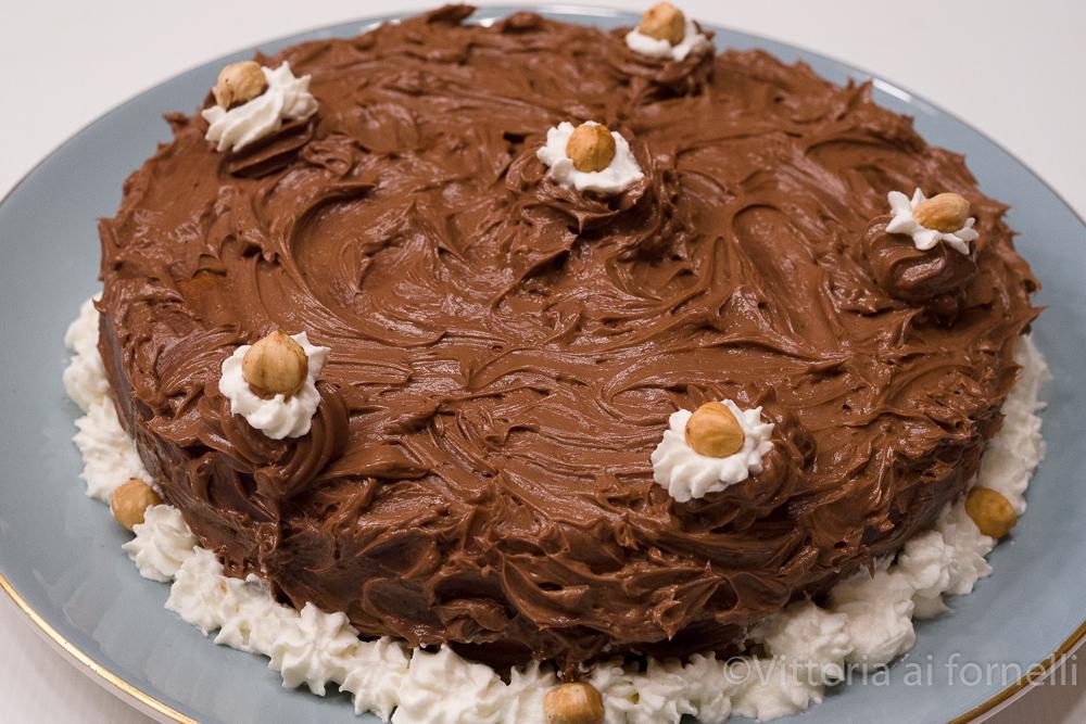 torta morbida alla nocciola