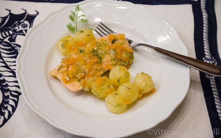 Scaloppine di salmone in salsa gremolada alle erbe
