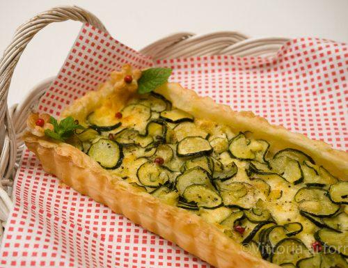 Sfogliata con zucchine e crescenza, ricetta veloce