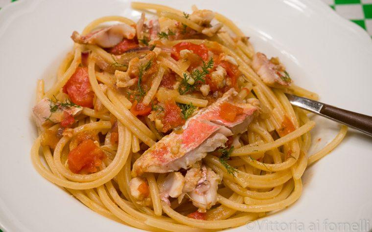 Spaghetti con ragù di triglia alla siciliana