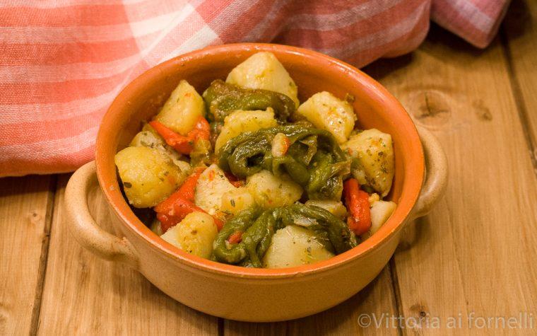 Friggitelli e patate, contorno tradizionale