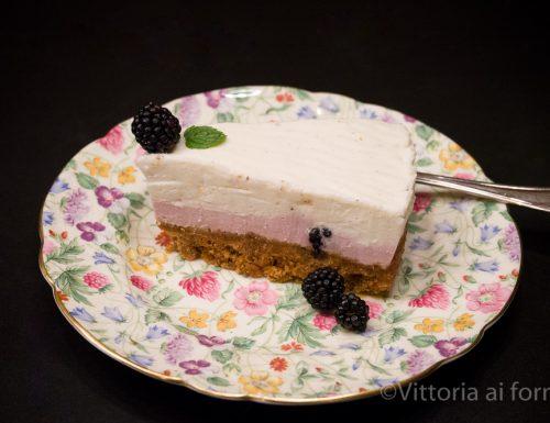 Cheesecake alle more e vaniglia