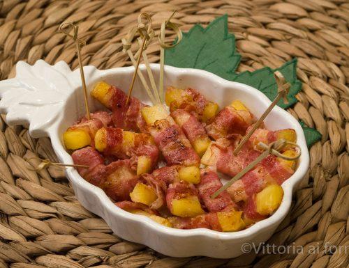 Involtini di ananas e bacon, finger food  facile e sfizioso