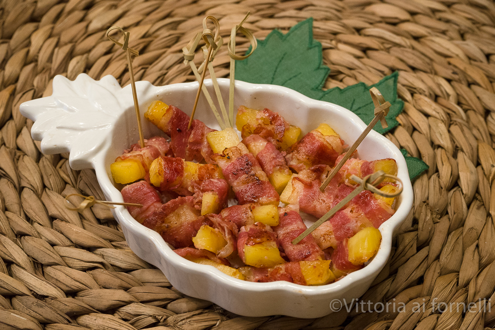involtini di ananas e bacon
