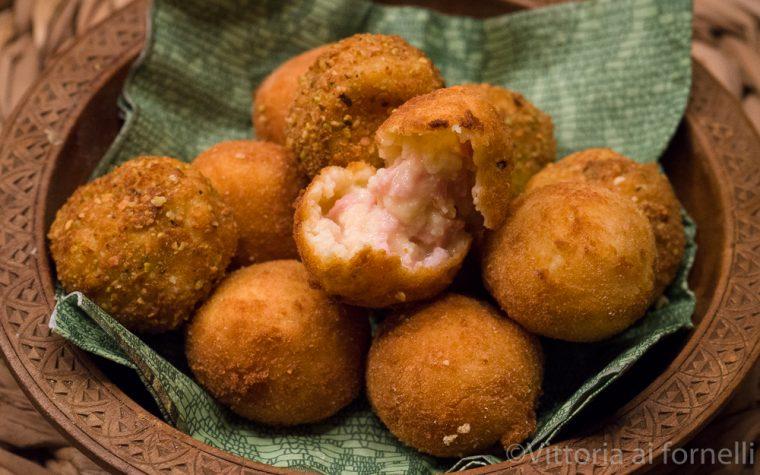 Polpette di patate e mortadella, facili e saporite