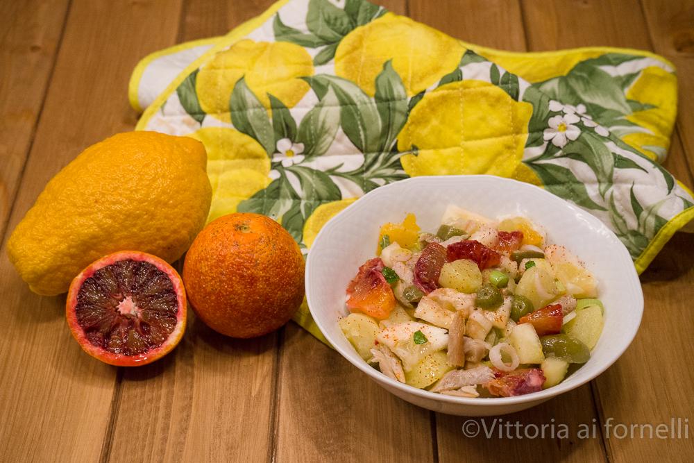 insalata di aringa con patate, piretto e arance