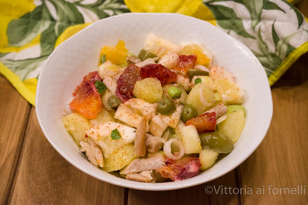 insalata di aringhe con patate, piretto e arance