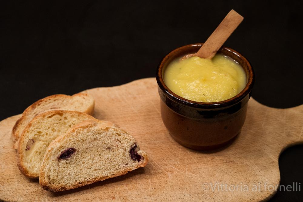 crema di cipolle bianche per bruschetta