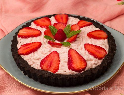 Crostata senza cottura alle fragole, torta fredda facile e golosa