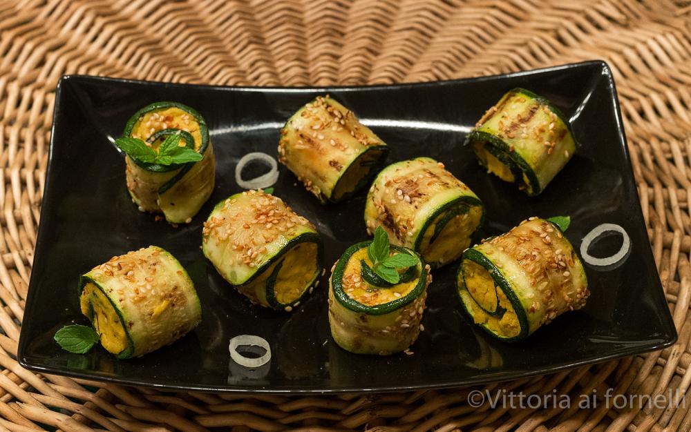 involtini di zucchine freddi con crema di ceci speziata