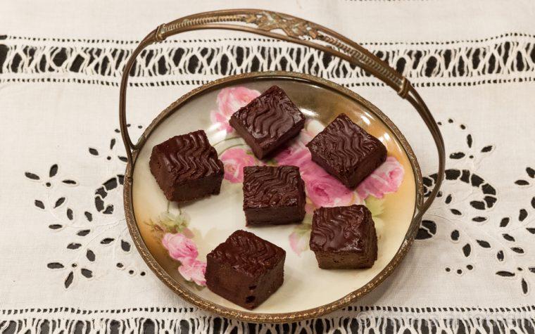 Carrés fondenti al cioccolato, golosi pasticcini francesi