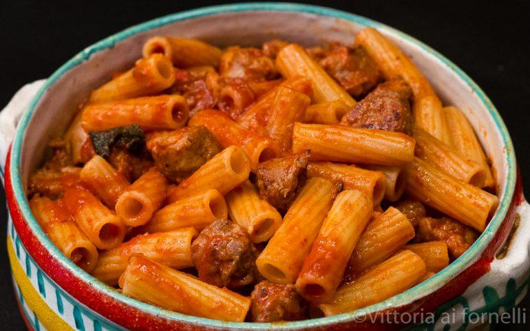 Rigatoni al sugo di salsiccia, ricetta classica