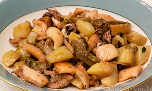 Seppie con carciofi e patate, ricetta facile in padella